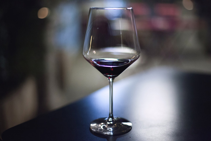 alcohol-drink-glass-drinking